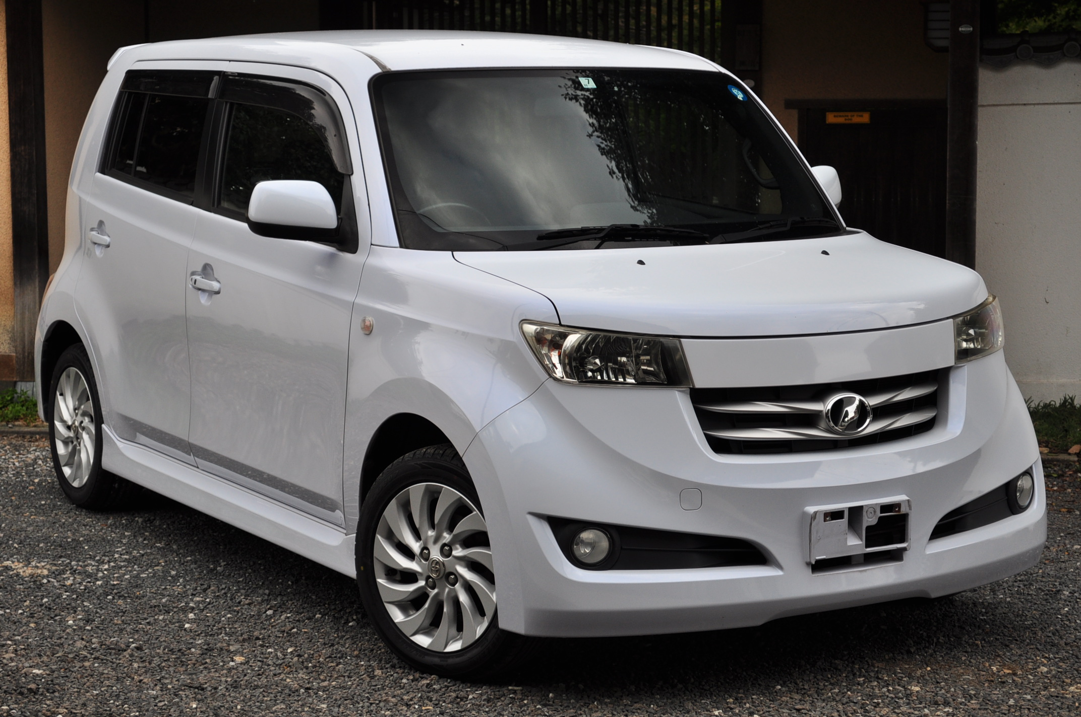 2007 (June) Toyota BB (QN21) Z Edition with Q Package 1500cc auto