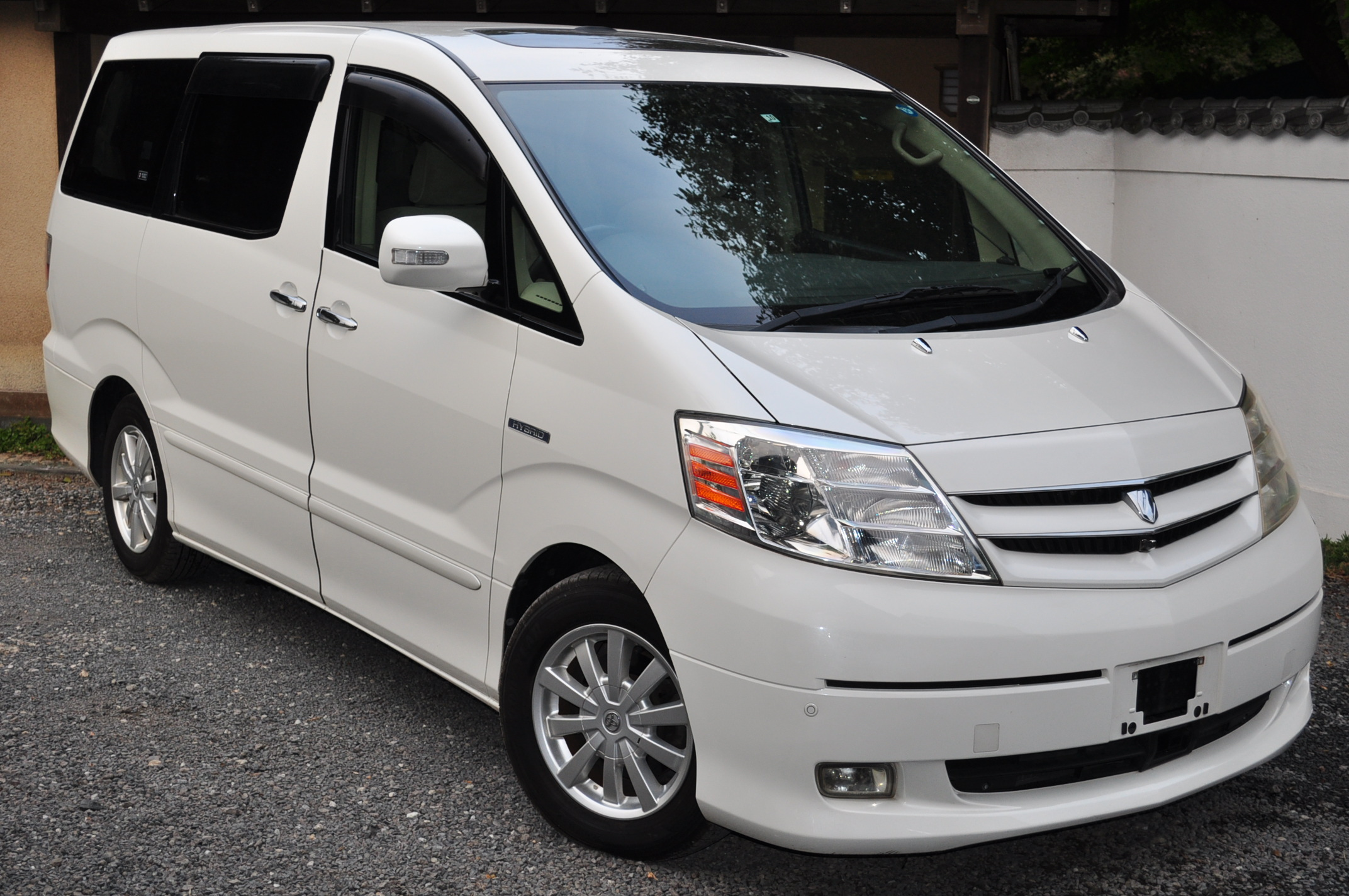 2004 (Jan) Toyota Alphard Hybrid (ATH10) 4WD G Edition Disabled assist seat 2400cc auto